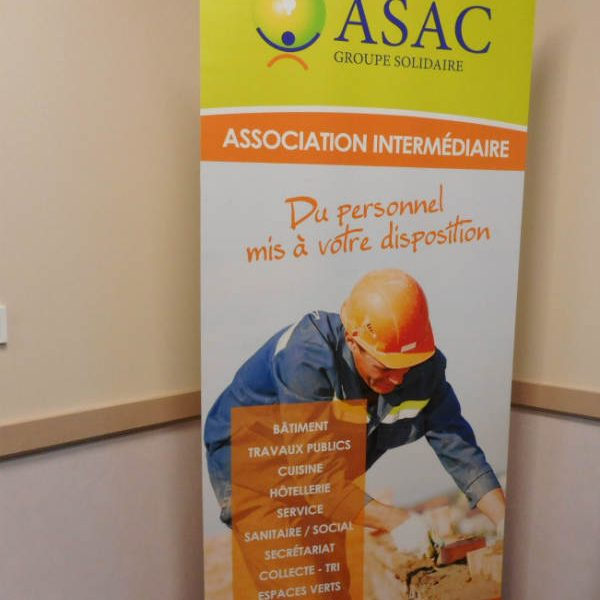 Panneau de l'association intermediaire,sextion de l'ASAC
